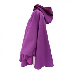 Poncho cape violet avec capuche en softshell doublé de polaire de couleur violet pressionné devant De profil