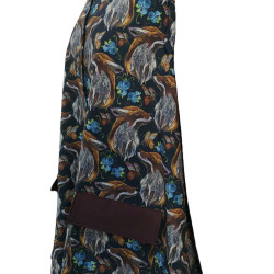 manteau imper renards en softshell imprimé. Capuche bras et rabat des poche de couleur moka Grandes poches avec rabat