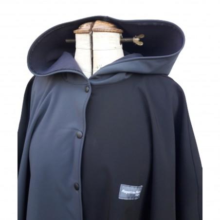Poncho cape avec capuche  outdoor pour adulte en softshell  Léo Mallet doublé polaire noire