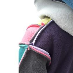 Veste Mondrian enfant avec capuche montage Boogie-Woogie en polaire double face Augustine Métro Coutures extérieures
